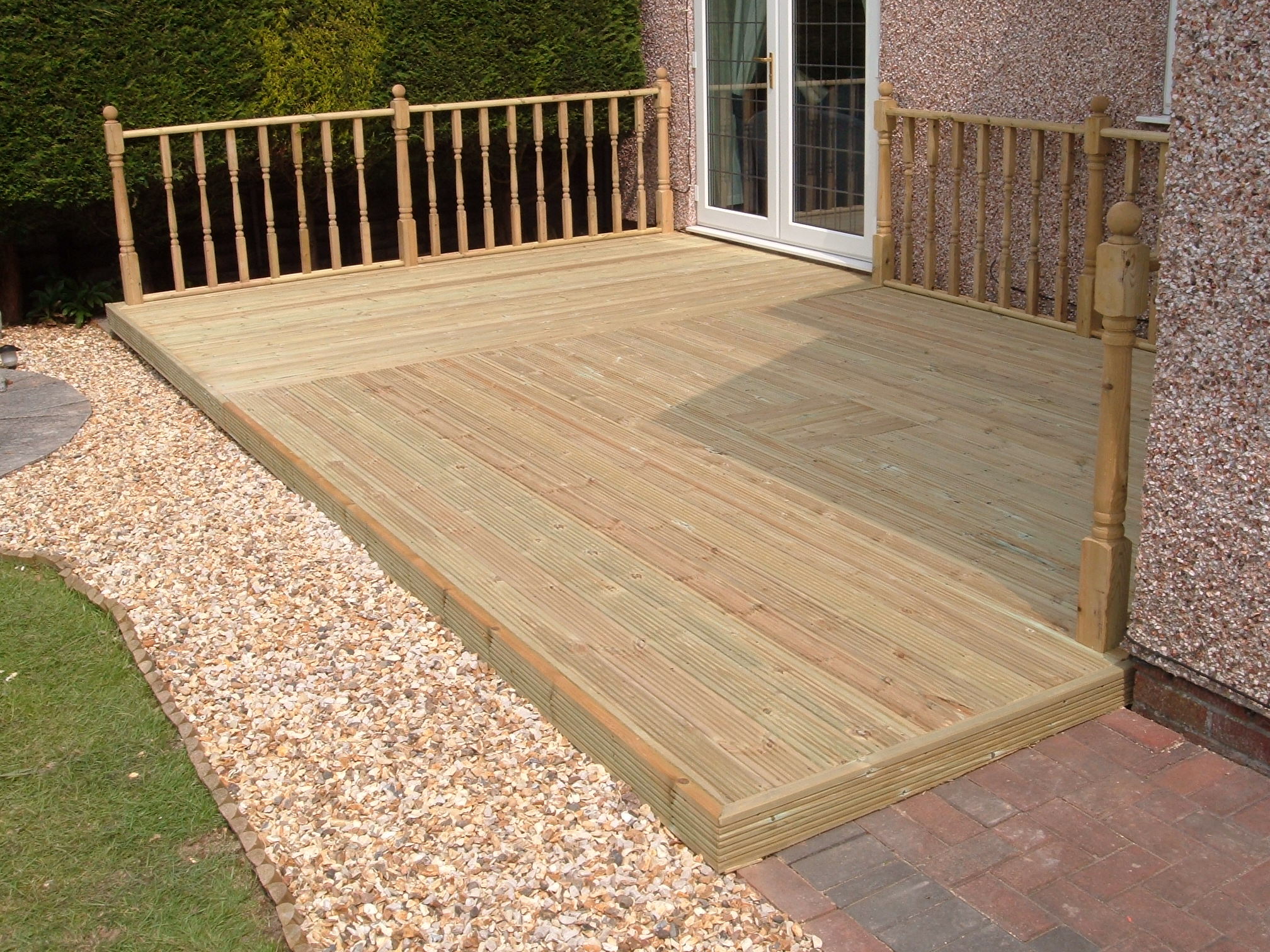 Greater driveways cheadle hulme decking for Building a low deck